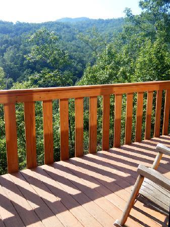 Cobbly Nob Rentals: Balcony view