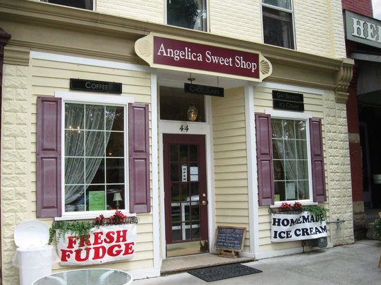 Angelica Sweet Shop