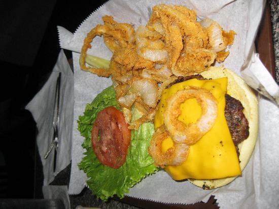 La Strada at Lake Lure: Cheeseburger and onion rings