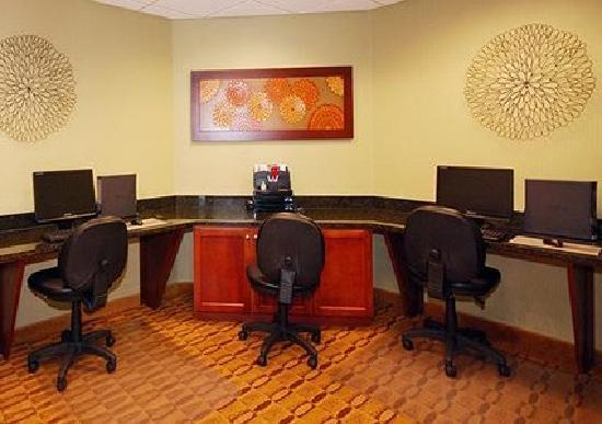Comfort Inn Rocky Mount: Catch up on emails or work in our hotel business center.