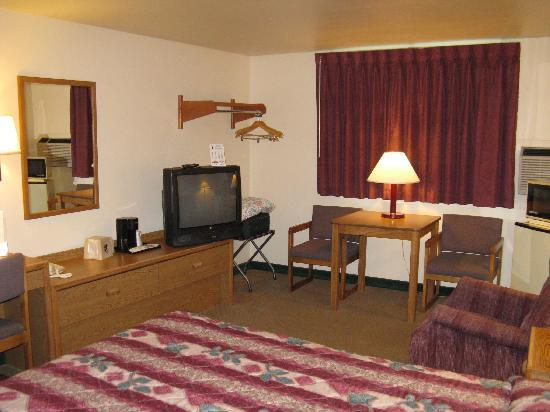 Super 8 Spearfish: Our room