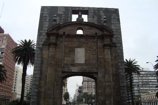 Montevideo, Uruguay: Puerta de la Ciudadela
