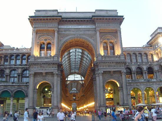 Milan, İtalya: galleria