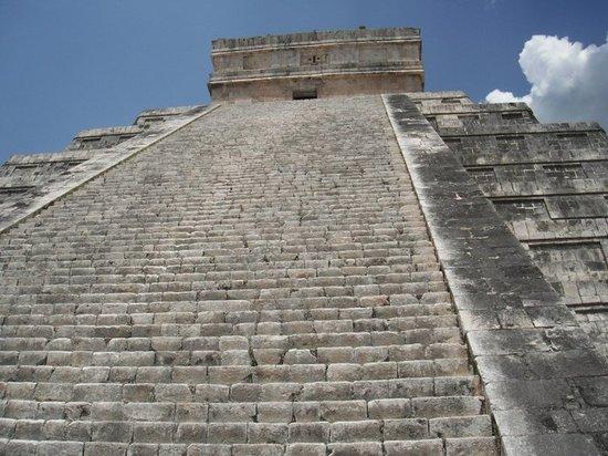 Iberostar Tucan Hotel: Trip to Chichen Itza Mayan pyrimid