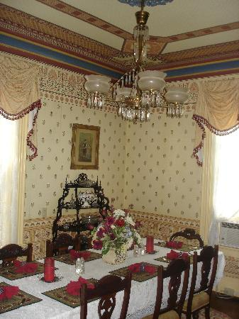 The Harrison: dining room