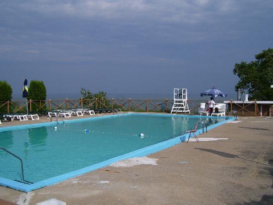 Hotel Cap-aux-Pierres: piscine exterieur