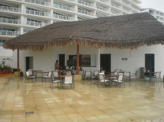 Porto Fino Bay View Grand: snack shack by pool