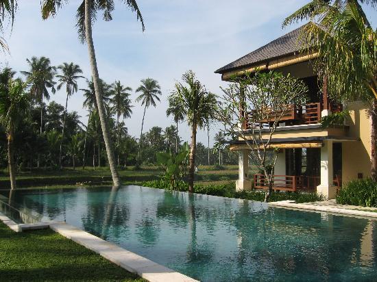Villa Sabandari: Rooms, pool and garden