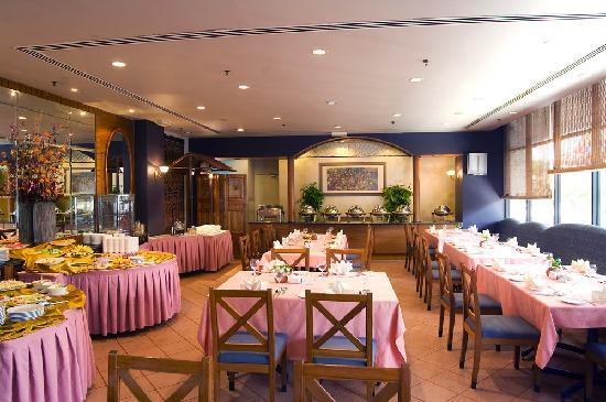 Harbour View Hotel: Cafe