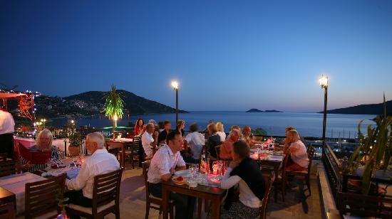 The Nar Bar and Restaurant: Roof terrace Nar Bar Kalkan