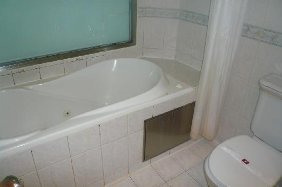 Friends Yu-Yu Hotel: ジャグジー付の風呂で疲れをとりましょう
