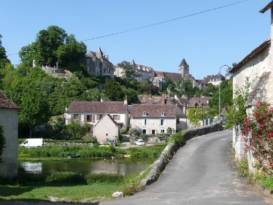 Le Relais du Lyon d'Or: zwemmen in de rivier