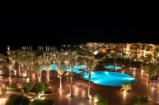 Jaz Solaya : Pools of hotel in the evening