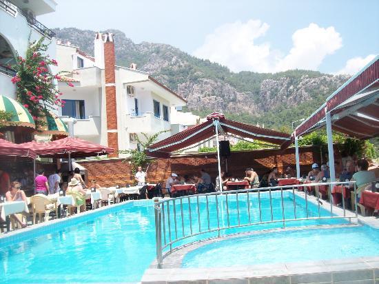 Oz-can Hotel: pool
