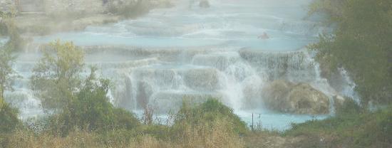 Villa Acquaviva: la cascata del Gorello