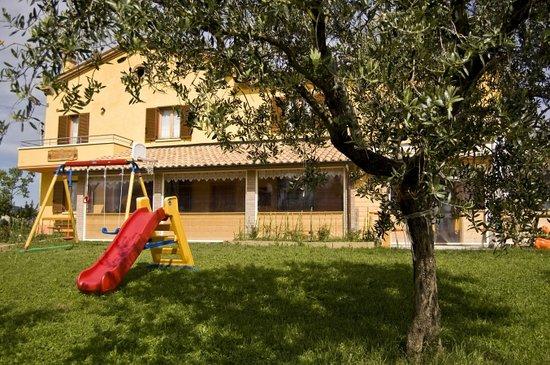 Cartoceto, Italy: Esterno Agriturismo La Rosa