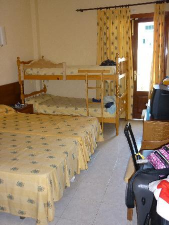Eix Alcudia Hotel - Adults Only: our tidy room