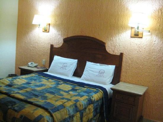 Santiago De Compostela: Standard bedroom