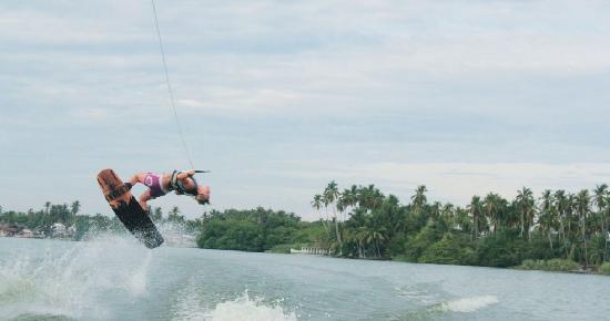Pie de la Cuesta, Mexiko: Wakeboard en la laguna