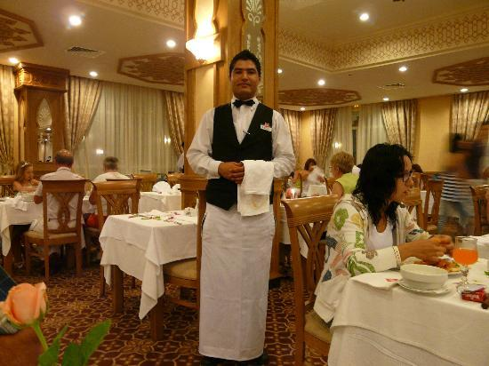 Concorde Hotel Marco Polo: Jalel