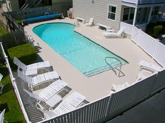 The Gull Motel, Inn and Cottages: Our Pool