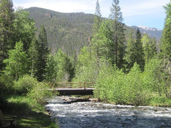 Absaroka Mountain Lodge: Bridge