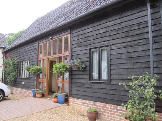Entrance to Oak Farm Barn