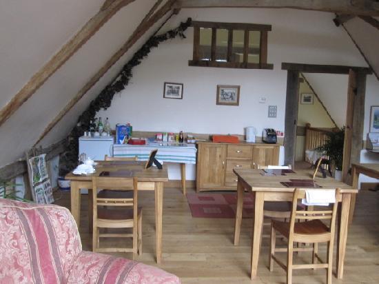Oak Farm Barn: Breakfast room/lounge