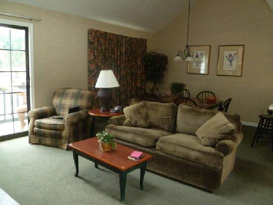 Villas at Tree Tops and Fairway: living room