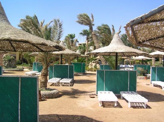 Jewels Sahara Boutique Resort: beach