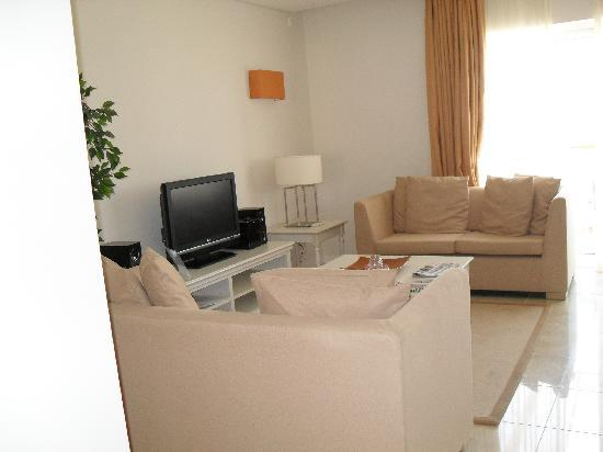 Monte Santo Resort: Living room