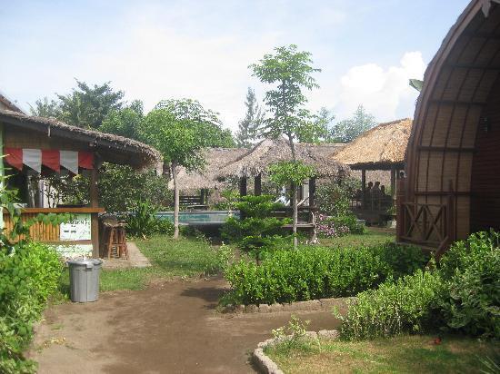 Lumbung Cottage 1: Garten mit Pool