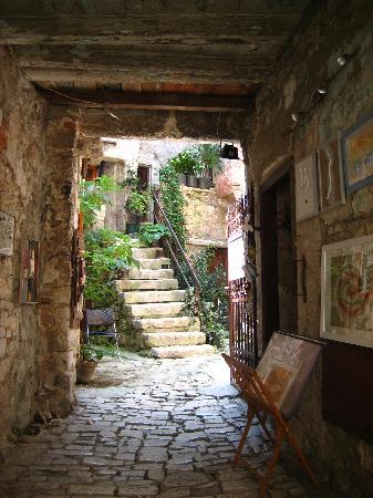 Hotel Eden: In the old town - many art galleries