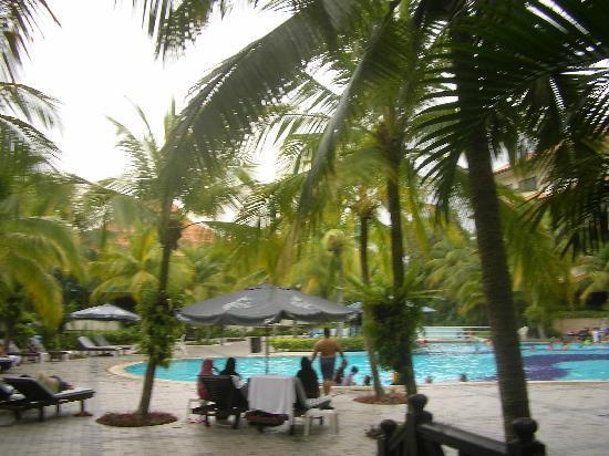 Swimming Pool Picture Of Le Grandeur Palm Resort Johor Senai Tripadvisor