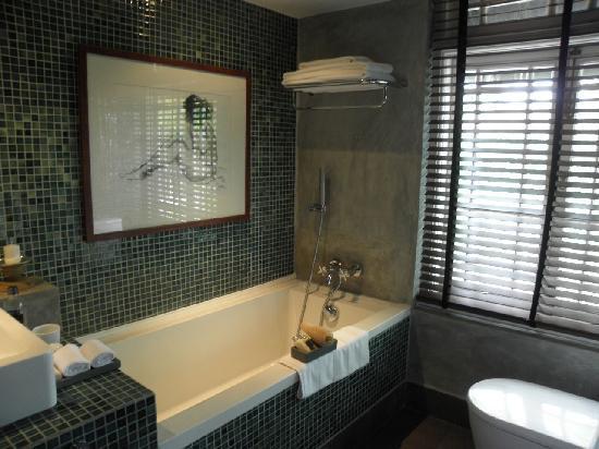 Paradise Road Tintagel Colombo: bathroom