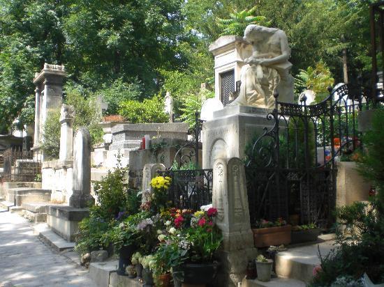 Chopin 39 s gravesite picture of pere lachaise cemetery - Cimetiere pere la chaise ...