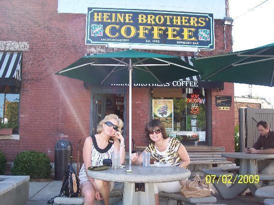 Heine Brothers' Coffee: Heine Brothers Coffee on Bardstown Road