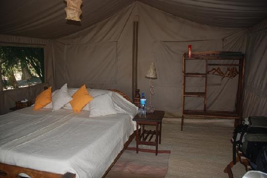 Kisima Ngeda Tented Camp: Bed