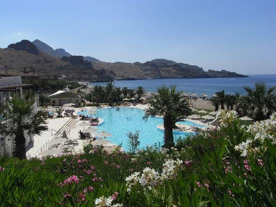 Hapimag Resort Damnoni: Blick auf den Pool und die Bucht