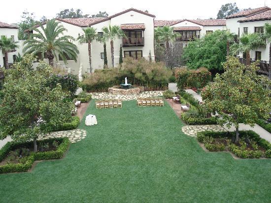 Estancia La Jolla Hotel & Spa : courtyard