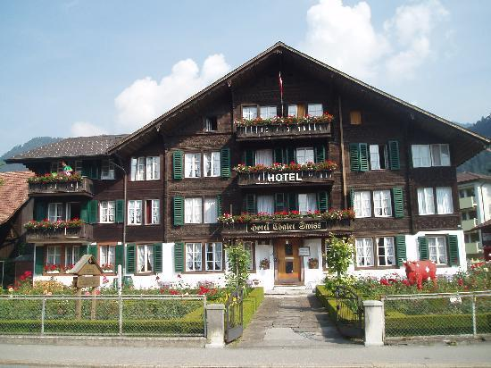 Hotel Chalet Swiss : The frontage
