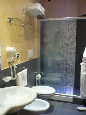 Villa Santa Maria: Bathroom
