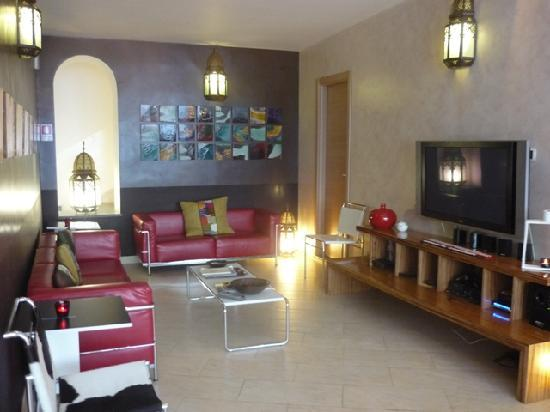 Villa Santa Maria: Lounge/common area