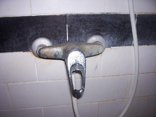 Sarinande Hotel: Shower tap