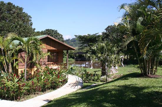 Zamora Estate Hotel: My Cabin