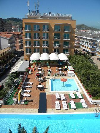 Hotel Sole: 2 piscine