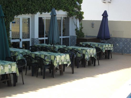 Torre Velha Hotel: the pool area