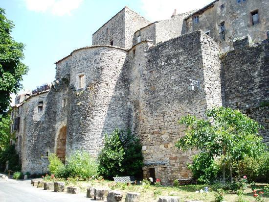 Cordes-sur-Ciel, Frankrike: puert jane