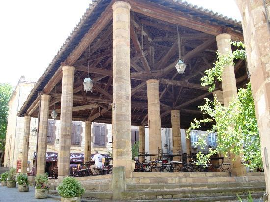 Cordes-sur-Ciel, ฝรั่งเศส: les halles