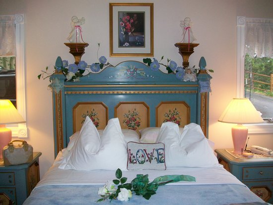 Sonnenhof Bed and Breakfast: Alpine Room